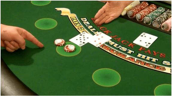 Doubel Down and Split Hands in Blackjack